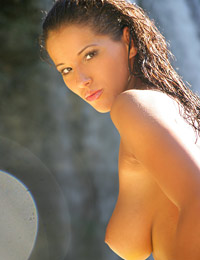 Model angel dark in falls