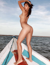 Model ruth medina in sea ride
